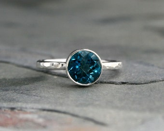 London Blue Topaz Sterling Silver Ring, Checkerboard Faceted Gemstone, Hammered Band, Jewel Statement Stacking December Birthstone Solitaire