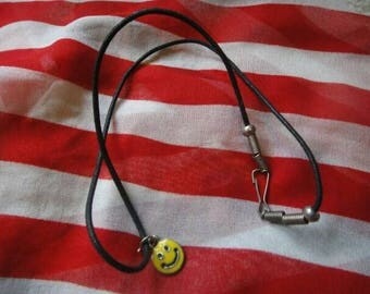 Vintage cute retro funky Smiley face Smile necklace vintage jewelry yellow