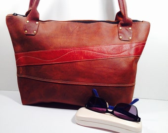 Leather zippered tote, distressed leather shoulder bag, leather travel bag, handmade, one of a kind, PEI