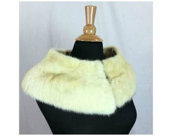 Off White FUR COLLAR and CUFFS Set 1950s Mid Century