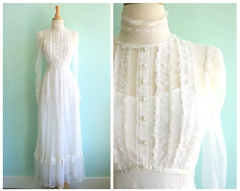 Vintage 1970's White Lace Gunne Sax Wedding Gown | Size Extra Small