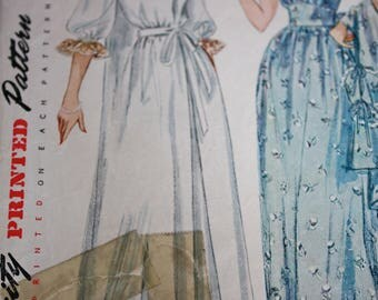 Vintage Nightgown and Negligee Pattern---Simplicity 3401---Size 12  Bust 30