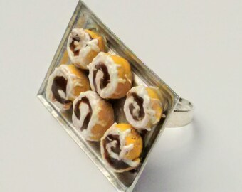 Baking Tray of Cinnamon Rolls Ring - Miniature Food Jewelry - Cinnamon Buns Ring, Inedible Jewelry, Fake Food Ring - Cinnamon Rolls Jewelry