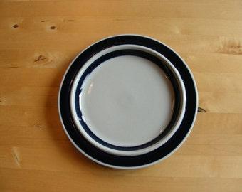 Arabia Finland blue anemone dinner plate