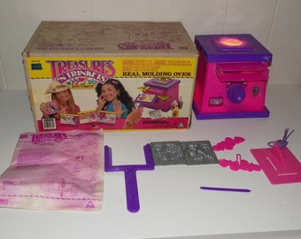 Vintage Toymax Magic Maker Trinkets And Treasures Oven