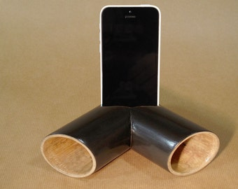 Bamboo smartphone stand - Customizable dock and acoustic amplifier (laser engraving)