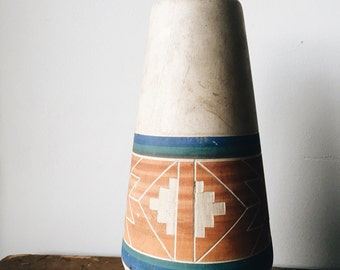 Vintage 70's Sioux Indian Clay Vase