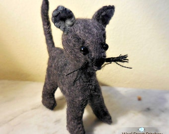 Small stuffed cat, handsewn felt kitten, soft toy, felt cat, gift animal, felt stuffed animal