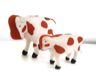 Felt cow and calf - Waldorf inspired - Felt farm animal - Nature table - Antropsofisch- Seizoentafal