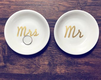 Trending Now - Mr & Mrs Ring Dish Set of 2  | Custom Engagement Ring Holder | Personalized Jewelry Dish | Wedding Gift | Engagement Gift