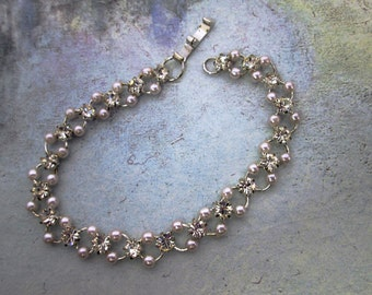 Light Pink Pearl Strand Bracelet Chainmaille Crystal Pearl Jewelry Chainmail Bracelet Bridal Pearl Statement Bracelet Simple Bridal Jewelry