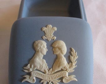 Wedgewood Jasperwear Royal Wedding Charles and Diana 1981 small trinket box