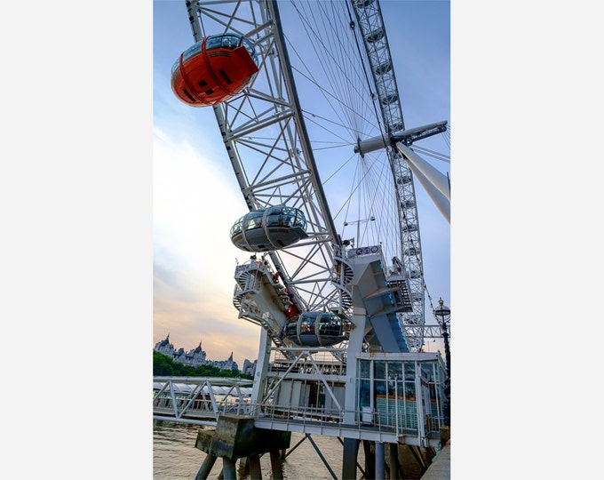 LONDON EYE | modern fine art photography blank note cards custom books interior wall decor affordable pictures –Rick Graves