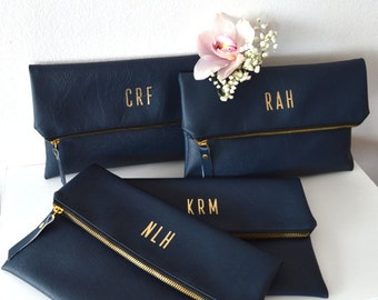 Set of 4 Personalized Foldover Clutches / Bridesmaid Gift / Monogrammed Bridal Clutch Purses / Wedding Accessory