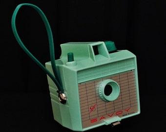 Vintage IMPERIAL SAVOY Snap Shot 620 Roll Film Camera, Non-Flash Model, Circa: 1961, Collector Worthy!