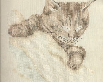 Innocence by Leisure Arts, cross stich designs