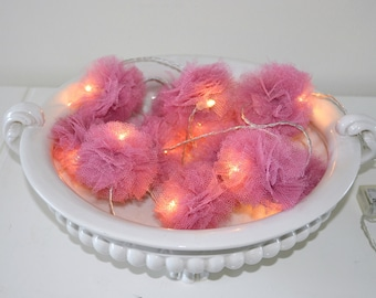 Light string of 12 tulle PomPoms, old color pink