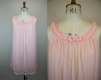 1960s St Michael Babydoll / 60s Nylon Nightgown / 1960s Pink Negligee / Ruffle Neckline / Size Small / XS S M