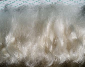 """Combed Mohair Locks, 1 ounce. Ivory White 5-6"""" long. Hand Combed to perfection. Cloud-Soft, ready for finest use.  Absolutely NO VM."""