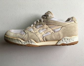 Asics Low Top Court Shoes Volleyball White 1980's Size 9 BL 405