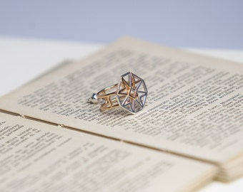 Silver ring with van Eyck's classic collection