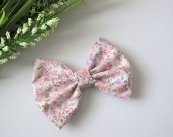 Off white and dusty rose / blush pink floral hair bow | Choose alligator clip or nylon headband | Floral fabric hairbow