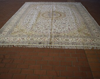Beautiful hand knotted silk rug