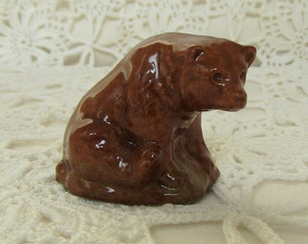 Wade Whimsie Brown Bear. Wade Whoppa Bear. Wade Grizzly Bear.  Ceramic Bear Ornament. Wade, England, Collectables. Bear Figurine.