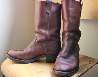 Beautiful Men's Vintage 90's Brown Western Style Leather Boots
