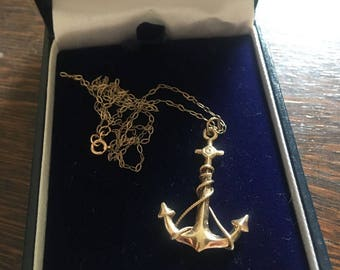 9ct yellow gold anchor pendant and chain