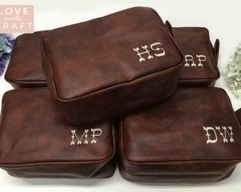 4 Personalized Men's Shaving Kit Men's Toiletry Bag Groomsman Gift Men's Dopp Kit Monogrammed Shaving Kit Travel Bag Wedding Gift Best Man