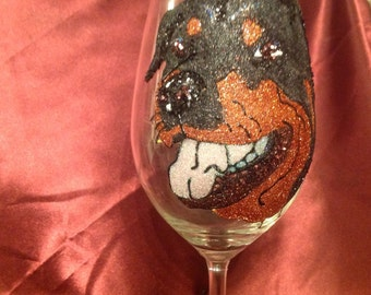 Glitter wine glass Rottweiler design