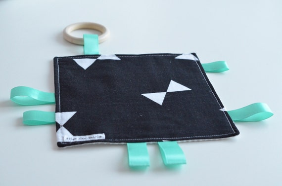 label canvas with teether