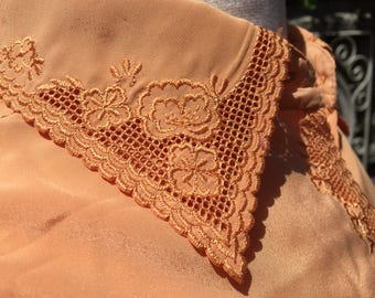 Vintage Silk Blouse *  Embroidered Lace Accents * Size Small to Medium
