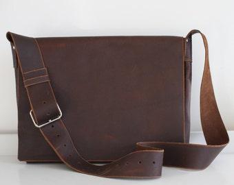 Large Leather messenger bag, distressed leather, natural leather bag, leather travel bag, minimalist leather bag, handmade, PEI