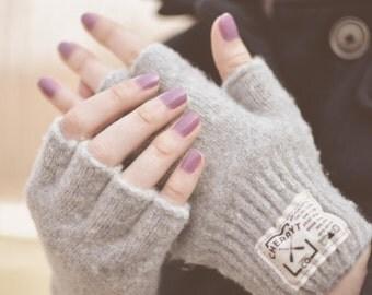 Knitted Fingerless Gloves. Ladies Hudson Wool Fingerless Gloves in Soft Grey. Half finger gloves. Camping Season.