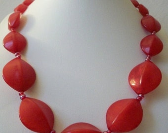 ON SALE Retro 1960s Vivid Bright Red Molded Wavy Plastic Beads Necklace 112816