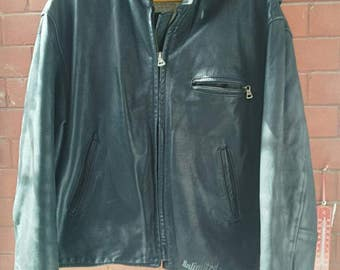 """leather jacket, """"Unlimited"""" made in italy!!! often heavy, very little used, very good condition,  the leather smell very good. size L"""
