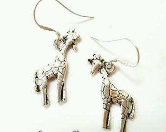Giraffe earrings, giraffe jewelry, animal earrings, animal jewelry, African earrings, African jewelry, silver giraffe earrings