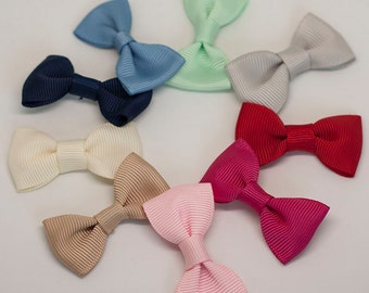 Solid color grosgrain ribbon bow hair clip/ Non-slip hair clip/ Newborn hair bow/ Baby hairclip/ Infant hair clip/ Handmade