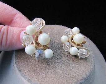 Vintage Chunky Clear Glass & Off White Beaded Clip Earrings
