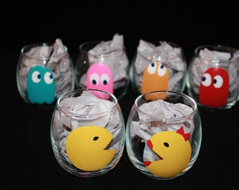 Pac Man, Mrs. Pac Man, and Ghosts Shot Glasses - set of 6 - Hand painted double shot glass - 2 oz.
