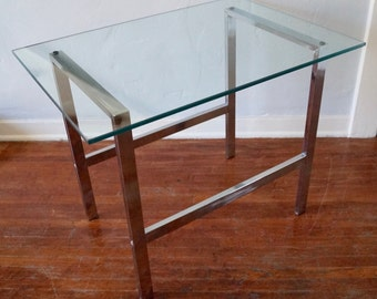 Stunning & Sleek Mid-Century Modern Chrome and Glass End Table / Side Table in the Manner of Milo Baughman