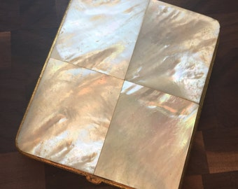 Vintage Mother of Pearl Compact - 1950s - Makeup Powder Case