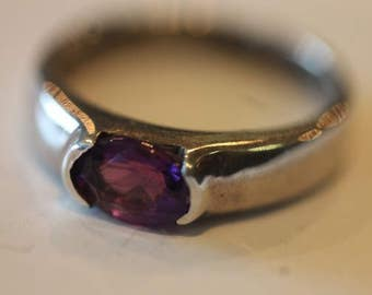 Sterling silver oval amethyst gemstone ring size 5.5