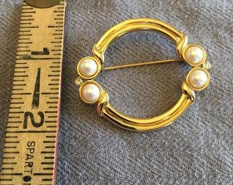 Pearl Gold Circle Pin