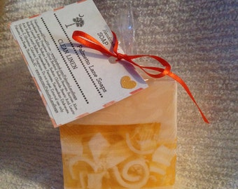 Handmade Glycerin Soap with Curly Embeds - Clean Linen