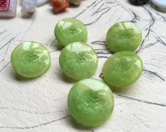 6 beautiful green old collector / glass buttons - Art Nouveau knobs - flower pattern