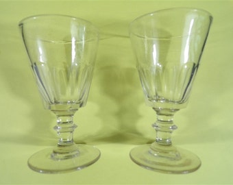 Pair of glasses at feet model vintage faceted head table party vintage Bistro glasses vintagefr france