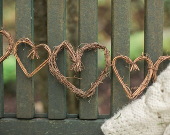 Grapevine Garland Heart Shapes 5 ft Natural Grapevine